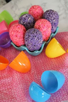 I am loving these AWESOME Rice Krispies Eggs, they are SO simple and adorable! The kids will love these and I can