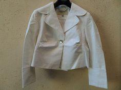 Proposé dans Ventes de vêtements pour femmes de Catawiki   2 lots   Jean  Louis Scherrer jeans pantalon T + Karen Millen veste T croisière cruise  blanc ... 47e8ba8f3a7