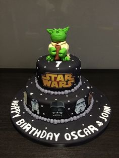 Star Wars Cake by Victoria Defty Couture Cakes! Star Wars Cake, Couture Cakes, Happy Birthday, Birthday Cake, Victoria, Desserts, Food, Happy Aniversary, Happy B Day