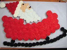 Santa and Sleigh Cupcake Cake - https://www.facebook.com/diplyofficial