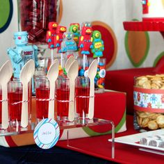 Modern Robot Birthday Party + Free Printables! // Hostess with the Mostess®