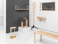 The Artek is a beautiful wooden bench designed by Alvar Aalto. Bench Designs, Alvar Aalto, Shelves, Living Room, Nest, Table, Stuff To Buy, Furniture, Kitchen