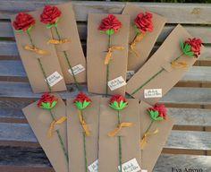 """[gallery type=""""square"""" ids=""""1844,1847″] Chic@s!!!!! Después de la resaca de rosas y libros de ayer, hoy toca ver las rosas y los puntos de libro que hice para la ocasión. Diy Projects For Kids, Diy For Kids, Crafts For Kids, Fabric Flower Tutorial, Fabric Flowers, Art Classroom Decor, St Georges Day, Diy And Crafts, Arts And Crafts"""