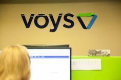 Nadine helpt klanten bij het instellen van de mijn.voys.nl omgeving.