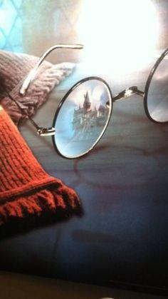 MuggleNet: the Worlds Harry Potter site! Harry Potter Fan Art, Images Harry Potter, Fans D'harry Potter, Harry Potter Facts, Harry Potter World, Harry Potter Tumblr, James Potter, Toujours Harry Potter, Hogwarts