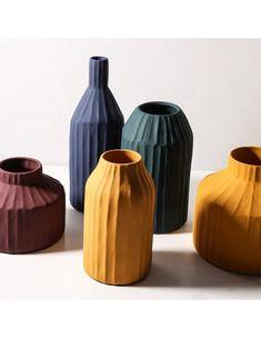 Vase Korinthos bleu en céramique au design vintage par Pavao Studio Pottery Vase, Ceramic Pottery, Thrown Pottery, Slab Pottery, Handmade Home Decor, Handmade Pottery, Handmade Ceramic, Ceramic Teapots, Ceramic Vase