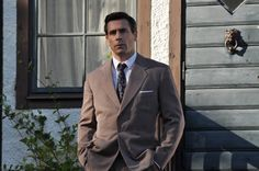 Mmmm, Ola Rapace... Loving the Swedish 'Tommy and Tuppence' that is Christer and Puck ('Crimes of Passion'). That man looks ace in a suit... and out of one.
