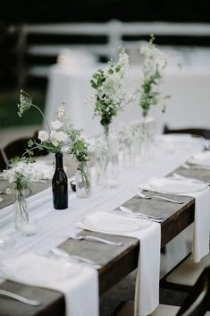 wedding trends 2019 minimalistic black white tablerunner centerpieces with flowers in glass brad and jen photography We have collected 30 super hot wedding trends Bold colors, romantic flowers, and other lovely new wedding ideas to inspire you. Minimalist Wedding Invitation, Modern Minimalist Wedding, Minimal Wedding, Minimalist Wedding Reception, Elegant Wedding, Rustic Wedding, Minimalist Style, Trendy Wedding, Wedding Table Centerpieces