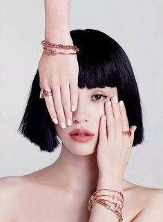 vogue japan, its Kiko Mizuhara I guess Kiko Mizuhara, Jewelry Photography, Fashion Photography, Glamour Photography, Lifestyle Photography, Editorial Photography, Tiffany T, Hand Pose, Accesorios Casual
