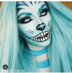Halloween make-up inspiration. Like a blue Cheshire Cat with a twist. Cheshire Cat Makeup, Cheshire Cat Costume, Halloween Makeup Looks, Halloween Kostüm, Halloween Costumes, Cosplay Makeup, Costume Makeup, Art Visage, Fantasy Make Up
