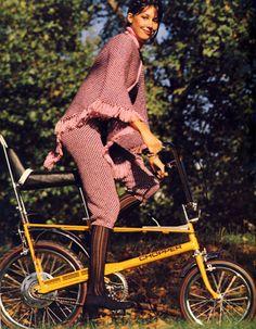 girl on a chopper bike Vintage Cycles, Vintage Bikes, Raleigh Chopper, Raleigh Bikes, Female Cyclist, Retro Bike, Push Bikes, Chopper Bike, Cycle Chic