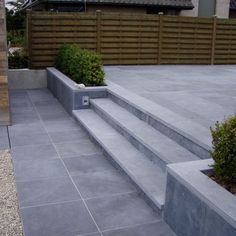 blue stone scraped Modern Stairs Blue scraped stone blue stone scraped Modern S… - Back yard patio Garden Landscaping, Garden Paving, Modern Landscaping, Modern Pergola, Garden Modern, Patio Steps, Balcony Garden, Garden Spaces, Back Gardens