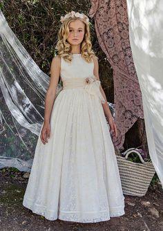 Vestido de comunión de Lonuse First Communion Dresses, Baptism Dress, Girls Formal Dresses, Flower Girl Dresses, Catholic Communion, Communion Hairstyles, Girl Hairstyles, Marie, Girl Fashion