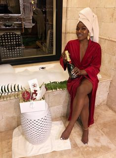 𝐛𝐥𝐚𝐜𝐤 𝐟𝐞𝐦𝐢𝐧𝐢𝐧𝐢𝐭𝐲 — Black women in leisure 3 Boujee Lifestyle, Luxury Lifestyle Women, Black Girl Magic, Black Girls, Bougie Black Girl, Black Girl Aesthetic, Beautiful Black Girl, Beautiful Eyes, Moda Chic