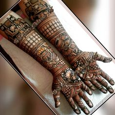 Fashion Style All About Mehndi Designs - Her Crochet Arabic Bridal Mehndi Designs, Khafif Mehndi Design, Mehndi Designs Feet, Indian Mehndi Designs, Stylish Mehndi Designs, Mehndi Design Pictures, Beautiful Mehndi Design, Traditional Mehndi Designs, Mehendhi Designs