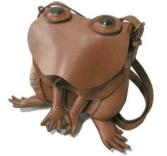 Frog bag from Atelier Iwakiri