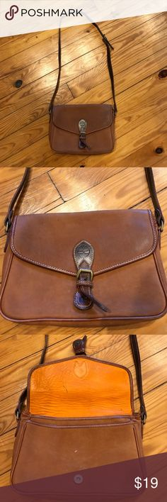 Leather Timberland Cross Body Purse 10.5x7x3.5 good used condition with some wear. 20.5 inch strap drop. Timberland Bags Crossbody Bags
