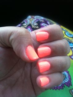Shelac Coral bright for summer #1 Nails
