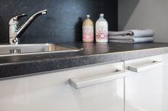 Tuotevalikoimaamme kuuluvat kodin kiintokalusteet keittiöön sekä kylpy- ja kodinhoitohuoneeseen. Toimitamme myös laadukkaat säilytysjärjestelmät, wc-kalusteet ja kodinkoneet. Meiltä saat enemmän, kuin valitsemasi tuotteen. Palvelumme kattavat koko prosessin, suunnittelusta asennukseen. www.toivekeittiot.fi