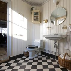 36 Beautiful Swedish Bathroom Design Ideas - If you are looking for information on different bathroom designs and styles, today is your lucky day. You have currently stumbled upon an article fill. Bad Inspiration, Bathroom Inspiration, Interior Design Inspiration, Design Ideas, 1930s Bathroom, Bungalow Bathroom, 1930s House, Cottage Renovation, Swedish House