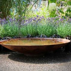 Corten steel water bowl bought to you by Sussex landscapers Garden House Design. This contemporary water bowl is minimalistic and a great feature for any garden Back Gardens, Small Gardens, Courtyard Gardens, Water Gardens, Gravel Garden, Patio Interior, Flower Landscape, Water Features In The Garden, Gardening