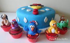 Bolo e cupcakes  Galinha Pintadinha