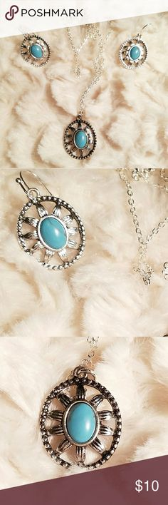 TURQUOISE NECKLACE & EARRINGS NWOT.....This very pretty set is new.  It was given to me but I have a different set of my own. Jewelry Necklaces