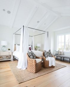 """New Ways to Style Your Bed's """"End Zone"""""""
