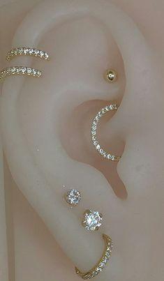 Unique Ear Piercings, Ear Piercings Chart, Ear Peircings, Types Of Ear Piercings, Cool Piercings, Daith Piercing, Body Jewelry Piercing, Ear Jewelry, Cute Jewelry