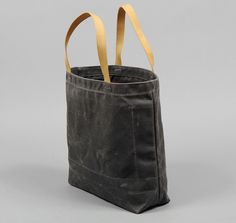 WAXED TWILL TOTE, GREY WITH RED LINING :: HICKOREE'S HARD GOODS