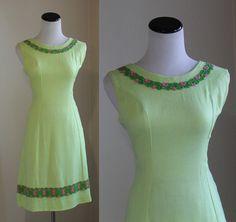 Vintage 1960s Beeline Fashion Dress, Size: Medium https://www.etsy.com/listing/214224894/beeline-fashion-dress-vintage-1960s