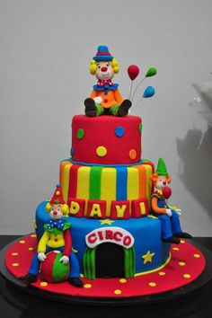 Circus and clown cakes Circus and clown cakes torta circo y payaso 68 Source by Carnival Themed Party, Carnival Birthday Parties, Circus Birthday, Pocahontas Cake, Clown Cake, Circus Cakes, Clown Party, Jungle Cake, Colorful Cakes