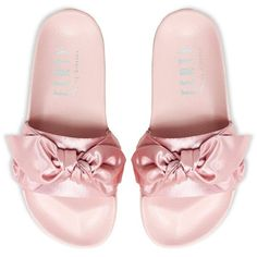 Puma FENTY by Rihanna Bow Slide [365774-03] (€85) ❤ liked on Polyvore featuring shoes, momma shoes, bow shoes, leather shoes, oversized shoes, puma footwear and genuine leather shoes