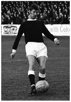 Alex Ferguson (Falkirk FC, 1969–1973, 95 apps, 37 goals) playing in a 1971 League Cup tie at Brockville against Aberdeen.