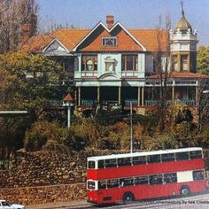 Always called it the 'spook house' - cnr Oxford Rd Parktown Spook Houses, Haunted Houses, Johannesburg City, Pretoria, The Old Days, Historical Pictures, Back In The Day, Old Pictures, Nostalgia