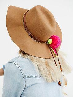 2e1bdb6204e Buenos Aries Pompom Hat