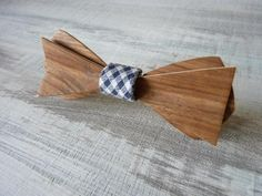 Noeud papillon en bois de Noyer, Wooden bowties !!!