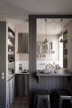 Haute Design by Sarah Klassen: Interior: Petit Appartement Love the color, not the design so much. Studio Kitchen, Cozy Kitchen, Kitchen Design, Kitchen Pass, Nice Kitchen, Stylish Kitchen, Kitchen Layout, Country Kitchen, Kitchen Storage