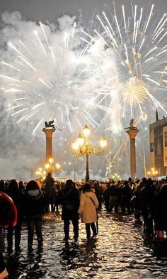 New Year's Eve in Venice. Get fireworks for New Year's Eve Celebration Around The World, New Year Celebration, Italy Pictures, Auld Lang Syne, Belle Villa, To Infinity And Beyond, Nouvel An, Shows, Italy Travel
