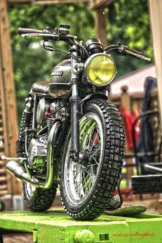 Mean-lookin' custom Kawasaki.