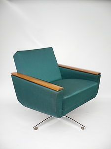 Pure (furniture) sex. Knoll