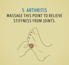 Arthritis is an ailment that affects people all over the world. It is very painful and it stems from the joints of the body becoming inflamed. Having arthritis in knee areas is particularly terrible since it can affect the way you wal Acupressure Therapy, Acupressure Treatment, Acupressure Points, Massage Tips, Self Massage, Massage Therapy, Hand Massage, Hand Therapy, Alternative Health