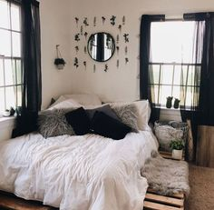 40 Cute and Girly Bedroom Decor Idea for Teen Cute And Girly Bedroom Decor Idea For Teen 19 Girly Bedroom Decor, Bedroom Decor For Couples, Decoration Bedroom, Room Ideas Bedroom, Small Room Bedroom, Small Rooms, Girls Bedroom, Diy Bedroom, Pink Bedrooms