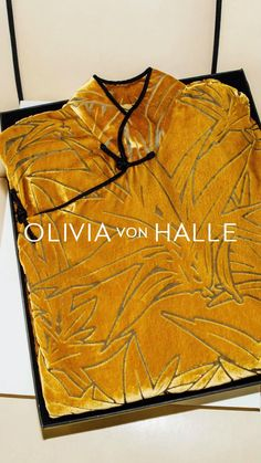 Olivia Von Halle, Going Out Outfits, Classy Casual, Old Hollywood Glamour, Business Women, Kimono, Women Wear, Pajamas, Style Inspiration