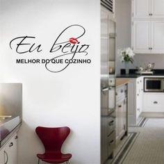 Resultado de imagem para decoração de parede de cozinha com adesivos pink