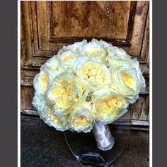 @nisiesenchanted | Bridal bouquet of garden roses. | Webstagram - the best Instagram viewer