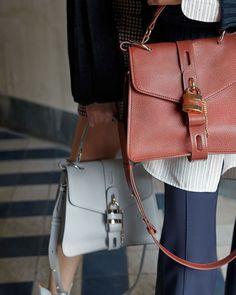 Chloe Handbags, Minimalist Bag, Day Bag, Cloth Bags, What To Wear, Style Me, Shoulder Bag, Seasons, Purses