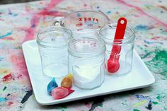 color mixing with baking soda and vinegar science Nanny Activities, Art Therapy Activities, Easy Crafts For Teens, Diy For Kids, Kids Crafts, Preschool Science, Preschool Learning, Teaching, Steam Learning