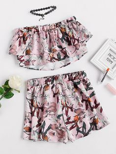 Shop Double Layer Botanical Bandeau Top And Shorts Set online. SheIn offers Double Layer Botanical Bandeau Top And Shorts Set & more to fit your fashionable needs.