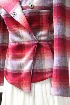 Vlastnoručně šitý jarní kbabátek. Odepnutá celá klopa. Jarní kabátek, střih 104 A Burda Style 1/2015